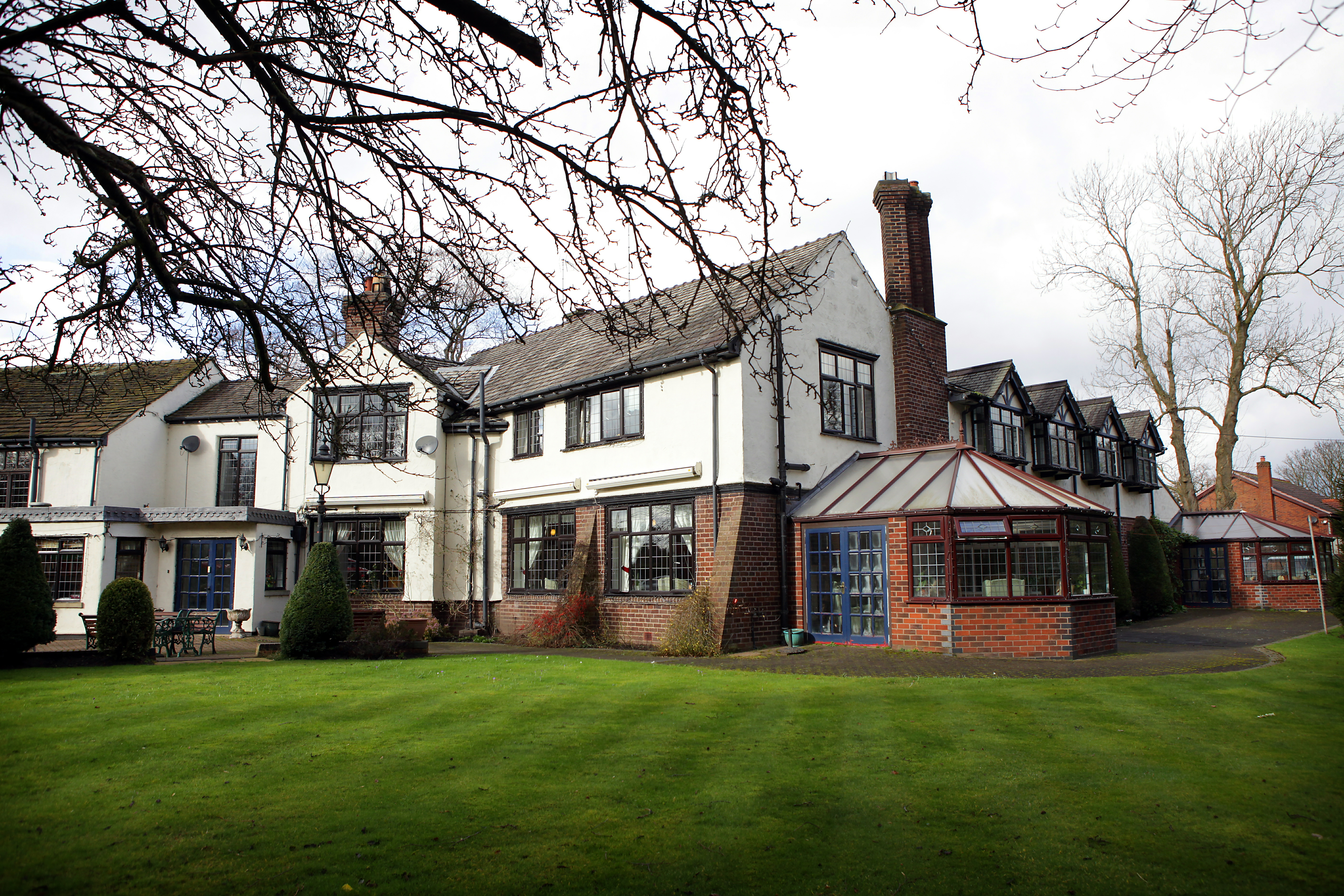 Hope green residential home macclesfield cheshire for Chesire house